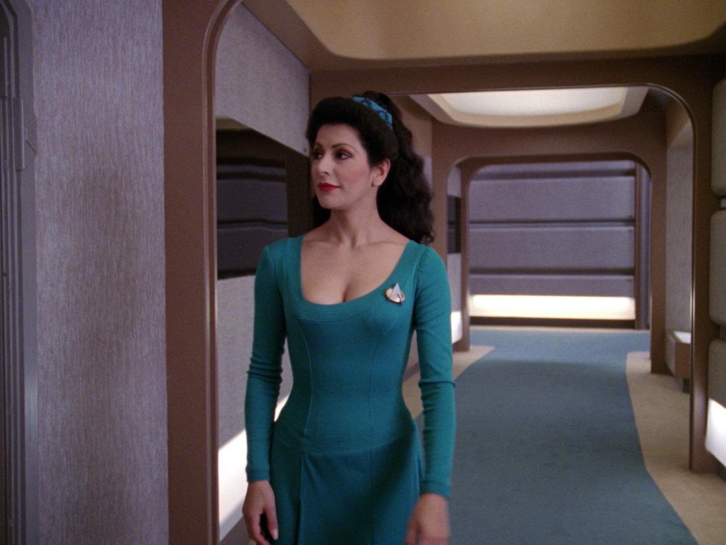 Deanna Troi Cosplay | Peter Csanadi | Flickr |Deanna Troi Green
